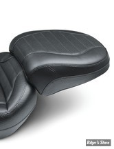 SELLE SOLO - SOFTAIL FXBR/S 18UP - MUSTANG - STANDARD TOURING - TUCK AND ROLL - NOIR : POUF PASSAGER - 75032