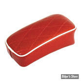SELLE SOLO UNIVERSELLE - LARGEUR 230MM - LE PERA - SOLO - METALFLAKE - ROUGE / CANDY RED DIAMOND - BIAIS BLANC : POUF
