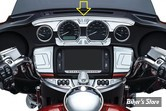 INSERT DE TABLEAU DE BORD SUPERIEUR - KURYAKYN - TOURING 14UP - BAHN UPPER GAUGE ACCENT - CHROME - 6943
