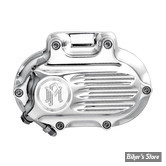 ECLATE B - PIECE N° 04 - CARTER HYDRAULIQUE LATÉRAL DE BOITE - BIGTWIN 06UP - 6 VITESSES - PERFORMANCE MACHINE - DYNA / SOFTAIL / TOURING 06UP - CANNELE / FLUTED - CHROME