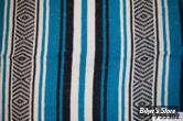 - COUVERTURE MEXICAINE - TEXAS LEATHER - MEXICAN BLANKET - TYPE : VERACRUZ  - bleu nuit, turquoise & blanc - COUVERTURE
