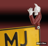 EMBLÊME D'ENTOURAGE DE PLAQUE D'IMMATRICULATION - DEVIL WITH RED SHIRT LICENSE PLATE TOPPER