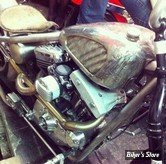 ECLATE D - PIECE N° 35 - COUVRES CULBUTEURS - SPORTSTER 86/03 - ESTEVES MOTORCYCLE DESIGN EMD - WTF SHOVEL STYLE ROCKER COVER - ALU BRUT - LA PIECE
